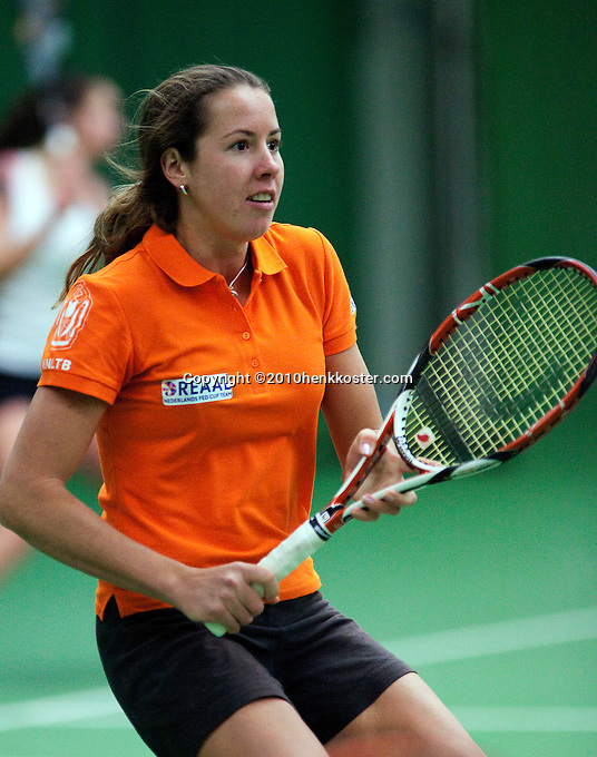 29-1-10, Almere, Tennis, Training Fedcup team, Chayenne van Ewijk