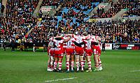 Photo: Richard Lane/Richard Lane Photography. Wasps v Gloucester Rugby.  Aviva Premiership. 23/12/2017.  Gloucester huddle.