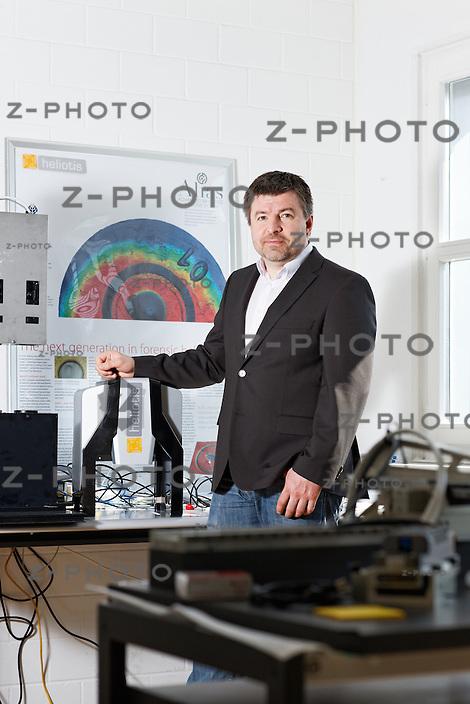 Portrait von Dr. Rudolf Moosburger, CEO von Heliotis AG im Hauptsitz in Langenbold 5 in Root am 23. Marz 2012..Copyright © Zvonimir Pisonic