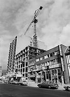 Construction au centre-ville de Montréal dans les années 80., mai 1988