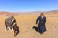 Asia Mongolia, Altai mountain,Saikhsai, the hunter ,60 old Saelikhan