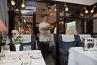 Europe/République Tchèque/Prague:A bord de l'Orient-Express Train de Luxe qui assure la liaison Calais,Paris , Prague,Venise - dans une des  voitures restaurant [Non destiné à un usage publicitaire - Not intended for an advertising use]