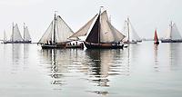 Nederland - Volendam - 2018.  De Pieperrace voor zeilschepen in Volendam. Boten verzamelen zich voor de start.   Foto Berlinda van Dam / Hollandse Hoogte