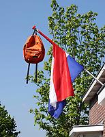 Nederland  Zaandam - 2020. Geslaagd. Tas aan een vlag.   Foto Berlinda van Dam / HH / ANP