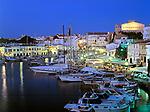 Spanien, Balearen, Menorca, Ciutadella: Stadt und Hafen bei Nacht | Spain, Balearic Islands, Menorca, Ciutadella: Town and Harbour at night