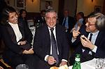 """MIRANDA E MARCELLO DELL'UTRI CON VITTORIO SGARBI<br /> 75° COMPLEANNO DI LINO JANNUZZI - """"DA FORTUNATO AL PANTHEON"""" ROMA 2003"""