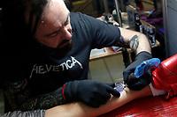 Paul Talbot, one of the most famous artists in England<br /> Roma 05/05/2017. Palazzo delle Esposizioni. International Tattoo Expo 2017. La manifestazione accoglie alcuni tra i più' grandi tatuatori provenienti da tutto il mondo.<br /> Rome May 5th 2017. International Tattoo Expo 2017. The meeting gathers some of the most famous tattoo artists from all over the world.<br /> Foto Samantha Zucchi Insidefoto
