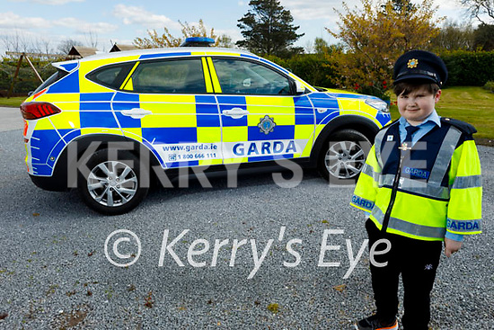 Little Blue Hero, Sean Kearney from Ardfert will be celebrating his 10th birthday on May 5th and members of An Garda Siochana in Tralee are seeking your help, so that Sean can celebrate his special day by sending him a birthday card, which can be sent to Sean c/o Tralee Garda Station.