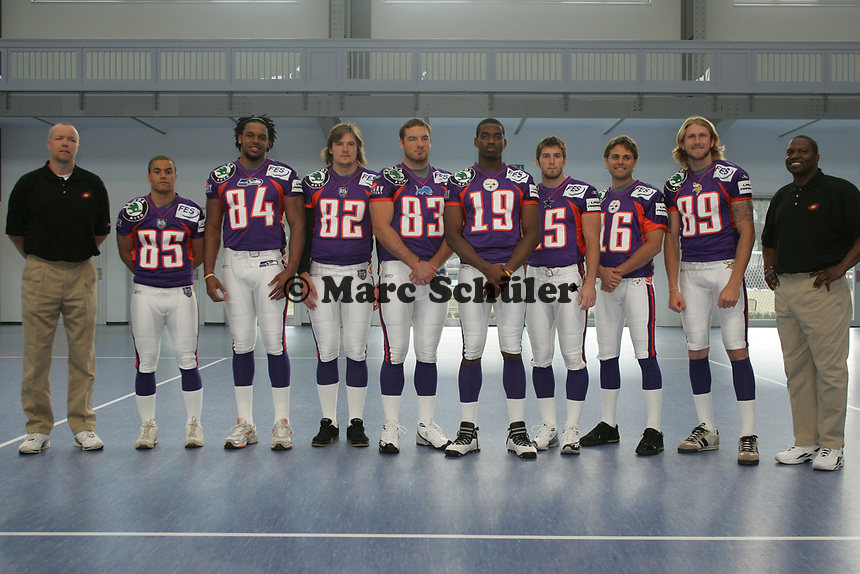 National Coach Marcus Grahn, WR Marvin Allen, TE Keith Willis, TE Iiro Luoto, TE Sean McHugh, WRWalter Young, WR Tom Crowder, WR Adam Herzing, WR Aaron Hosack, Head Coach Mike Jones (vlnr, alle Frankfurt Galaxy)