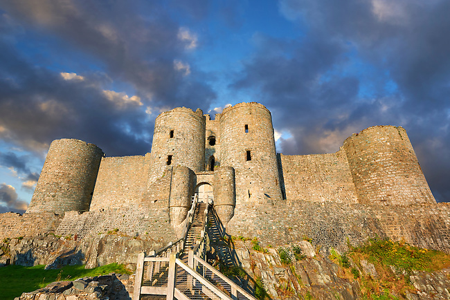 The medieval Harlech Castle built  1282 and 1289 for Edward 1st, one of the finest medieval examples of military architecture in Europe, a UNESCO World Heritage Site, Conwy, Wales