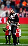 Nederland, Amsterdam, 7 februari 2016<br /> Eredivisie<br /> Seizoen 2015-2016<br /> De Klassieker <br /> Ajax-Feyenoord<br /> John Heitinga heeft een punt achter zijn voetbalcarriere gezet en neemt, samen met zijn kinderen, afscheid van de supporters van Ajax.