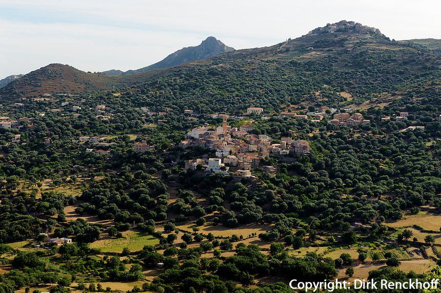 Blick vom Kloster Marcasso auf Avapessa in der Belagne, Korsika, Frankreich