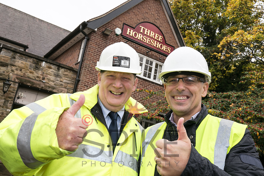 John McKay, Business Development Manager of Star Pubs & Bars (left) with Andrew Crawford, Operations Director of the Pub People Company at the Three Horseshoes