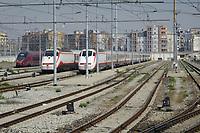 - Milano, scalo ferroviario della Stazione Centrale, treni ETR Freccia Bianca e Italo in sosta<br /> <br /> - Milan, Central Station railway yard, ETR Freccia Bianca and Italo trains parkedked
