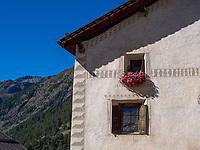 Guarda bei Scuol, Unterengadin, Graubünden, Schweiz, Europa<br /> house in Guarda, Scuol, Engadine, Grisons, Switzerland