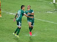 PEREIRA - COLOMBIA, 29-04-2021: Juan Carlos Colina de La Equidad (COL) celebra con sus compañeros de equipo el primer gol anotado a Aragua F. C. (VEN), durante partido entre La Equidad (COL) y Aragua F. C. (VEN) por la Copa CONMEBOL Sudamericana 2021 en el Estadio Hernan Ramirez Villegas de la ciudad de Pereira. / Juan Carlos Colina of La Equidad (COL) celebrates with his teammates the first scored goal to Aragua F. C. (VEN), during a match beween La Equidad (COL) and Aragua F. C. (VEN) for the CONMEBOL Sudamericana Cup 2021 at the Hernan Ramirez Villegas Stadium, in Pereira city.  Photo: VizzorImage / Pablo Bohorquez / Cont.
