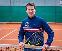 Almere, Netherlands, April 3, 2018, New clothes KSwiss for KNLTB staff, Jacco Eltingh<br /> Photo: Tennisimages/Henk Koster