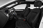 Front seat view of 2016 Volkswagen Passat-Variant GTE 5 Door wagon Front Seat  car photos