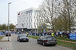Ingolstädter Fans haben sich vor der Saturn Arena versammelt und begrüßen die Spieler des ERC Ingolstadt bei der Ankunft an der Arena beim Spiel im Halbfinale der DEL, ERC Ingolstadt (dunkel) - Eisbaeren Berlin (hell).<br /> <br /> Foto © PIX-Sportfotos *** Foto ist honorarpflichtig! *** Auf Anfrage in hoeherer Qualitaet/Aufloesung. Belegexemplar erbeten. Veroeffentlichung ausschliesslich fuer journalistisch-publizistische Zwecke. For editorial use only.