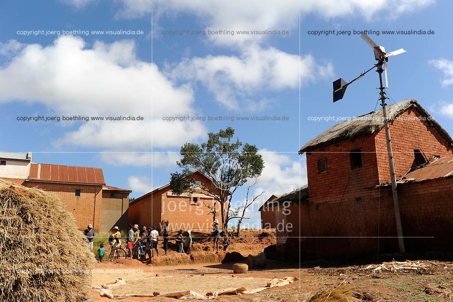 MADAGASCAR village Morarano with smal wind turbine for rural off-grid electrification / MADAGASKAR , Dorf Morarano mit kleiner Windkraftanlage zur laendlichen Elektrifizierung