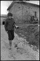 Durfort-Lacapelette (Tarn-et-Garonne). 5 Février 1975. Le comedien  Pierre Blaise.<br /> <br /> Pierre-Marc Blaise, dit Pierre Blaise, est un acteur français né le 11 juin 1955 à Moissac où il est mort dans un accident de voiture le 31 août 1975.<br /> <br /> Son rôle le plus notable fut celui de Lacombe Lucien de Louis Malle,