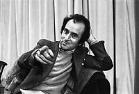 Valentino Parlato durante il congresso di unificazione del gruppo del Manifesto col PDUP, Partito di Unità Proletaria (Bologna, 1976)