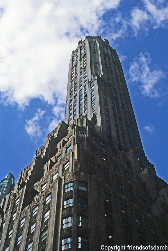 New York: General Electric Building, 570 Lexington at 51st St., 1931. Architects Cross & Cross. 51 stories. Photo '88.