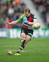 Nick Evans of Harlequins takes a penalty kick during the Heineken Cup match between Harlequins and Connacht Rugby at The Twickenham Stoop on Saturday 12th January 2013 (Photo by Rob Munro).