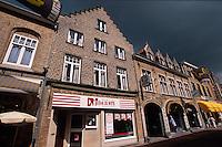 Belgien, Flandern, Einkaufsstraße in Veurne