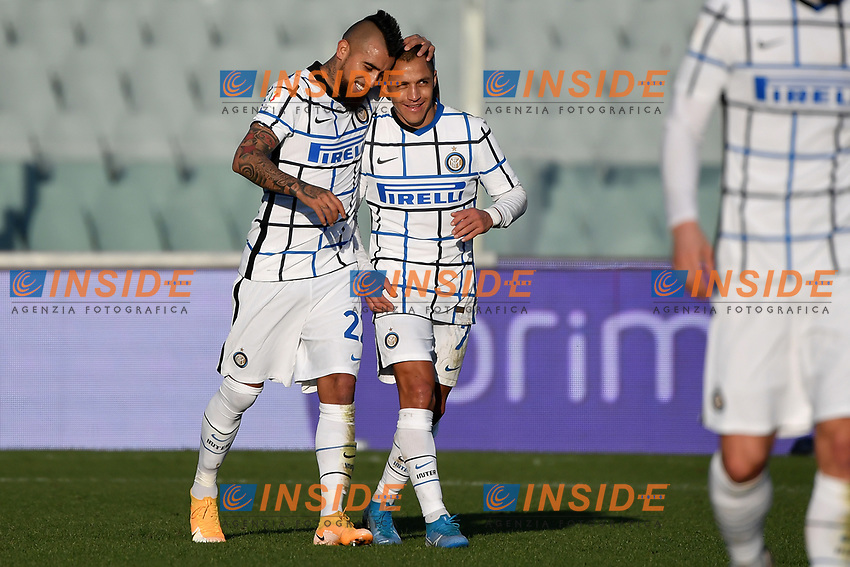 Arturo Vidal of FC Internazionale celebrates with Alexis Sanchez after scoring the goal of 0-1 during the Italy Cup round of 16 football match between ACF Fiorentina and FC Internazionale at Artemio Franchi stadium in Firenze (Italy), January 13th, 2021. Photo Andrea Staccioli / Insidefoto