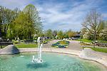 Deutschland, Bayern, Niederbayern, Baederdreieck, Bad Fuessing: Kurpark, Kurhaus | Germany, Bavaria, Lower Bavaria, resort Bad Fuessing: spa gardens, spa building
