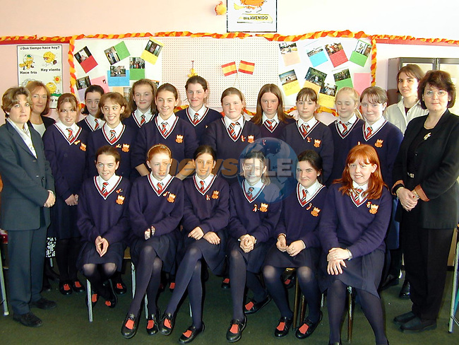 St. Enda's First Year Spanish class who took part in the Spanish day at the Sacred Heart School. Also in picture are Rosa Lopez Boullon, Language Advisor with the Spanish Embassy, Brenda McMahon, Spanish Teacher, Raquel Ruiz and Mary Caffrey, School Principal..Picture Paul Mohan Newsfile