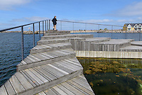 Schwimmbad im Hafen von Hasle auf der Insel Bornholm, Dänemark, Europa<br /> swimmingpool in the port of Hasle, Isle of Bornholm Denmark