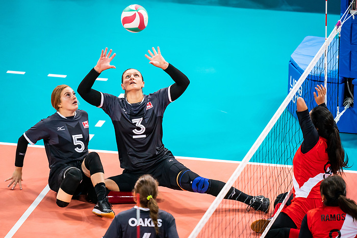 Danielle Ellis, Lima 2019 - Sitting Volleyball // Volleyball assis.<br /> Canada competes for the bronze medal in women's Sitting Volleyball // Canada participe pour la médaille de bronze en volleyball assis féminin. 28/08/2019.