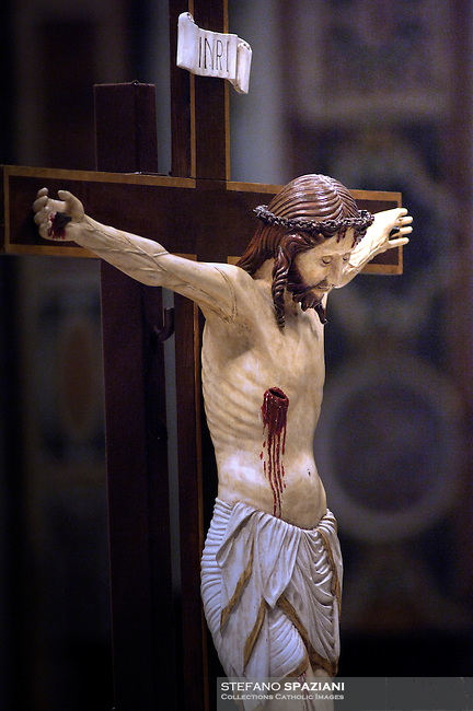 Crucifix Altar the of Saint Peter by Bernini,Vatican Basilica...3-04-2009