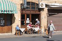 Nordzypern, Straßencafé in Nicosia (Lefkosa)