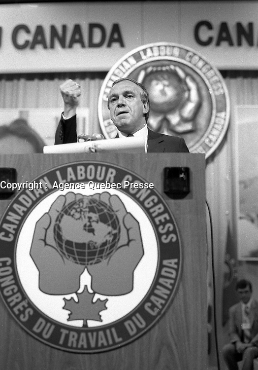 Montreal (Qc) CANADA - Montreal (Qc) CANADA - Mai 27 1984 - Ed Broadbent, NDP Leader speak at Canadian labour Congress convention.<br /> <br /> PHOTO :  Agence Quebec Presse