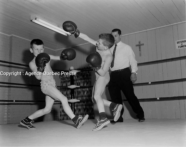 Jeune boxeurs amateurs, 1er decembre 1960<br /> <br /> PHOTO  : Agence Quebec Presse - Photo Moderne