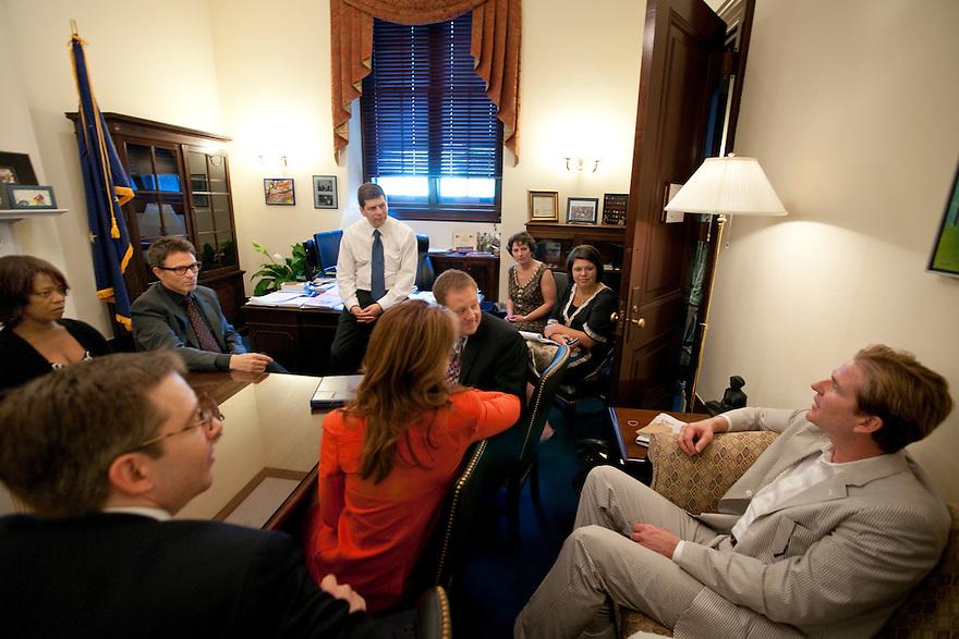 Alfre Woodard, Tim Daly, Dana Delany and Matthew Modine of The Creative Coalition meeting with Senator Mark Begich (D-AK)  Washington, D.C.