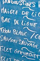 Europe/France/Poitou-Charentes/17/Charente-Maritime/Ile de Ré/Ars-en-Ré: Panneau de l'étal du poissonnier
