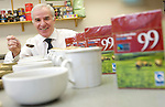 Pix: Shaun Flannery/sf-pictures.com....COPYRIGHT PICTURE>>SHAUN FLANNERY>01302-570814>>07778315553>>..22nd January 2008..............Coop Fair Trade Tea Production line, Coop Chief Executive Peter Marks.