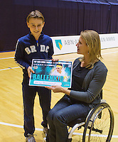 03-01-13, Rotterdam, Tennis, Selection ballkids for ABNAMROWTT, Prize giving with Ester Vergeer