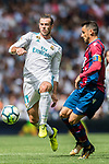 Gareth Frank Bale (L) of Real Madrid fights for the ball with Pedro Lopez Munoz (R) of Levante UD during the La Liga match between Real Madrid and Levante UD at the Estadio Santiago Bernabeu on 09 September 2017 in Madrid, Spain. Photo by Diego Gonzalez / Power Sport Images