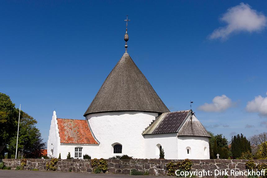 romanische Ny Kirke in Nyker(12.Jh.) auf der Insel Bornholm, Dänemark, Europa<br /> Romanesque Ny Kirke (12.c.), Isle of Bornholm Denmark