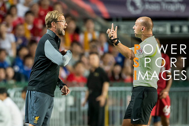 Liverpool FC Coach Jurgen Klopp (L) argues with referee Bobby Madley during the Premier League Asia Trophy match between Liverpool FC and Leicester City FC at Hong Kong Stadium on 22 July 2017, in Hong Kong, China. Photo by Weixiang Lim / Power Sport Images