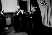 Roger Rousseau (G), le maire Jean Drapeau (D)  et lord Killanin (M) lors du passage du drapeau olympique entre Munich et Montreal.<br /> <br /> Date exacte inconnue, entre le 4 et 13 Mars 1973.<br /> <br /> PHOTO  : Agence Quebec Presse - Alain Renaud
