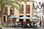 Spain, Canary Islands, La Palma, Santa Cruz de La Palma: capital - old town, cafe