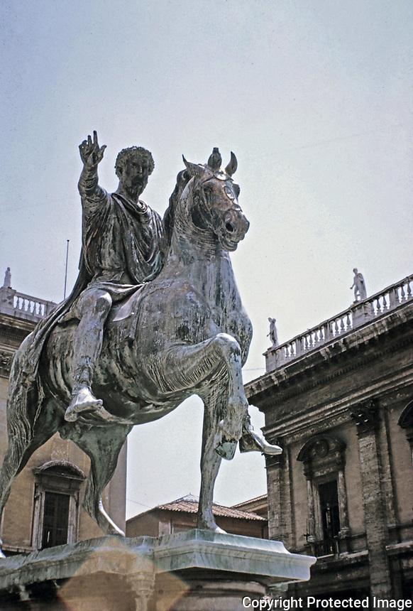 Emperor Marcus Aurelius Equestrian Bronze Roman statue, c. 175 AD, Roman Forum, Rome, Italy