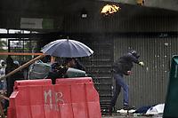 BOGOTA - COLOMBIA, 16-01-2020: Fuertes disturbios se presentaron en la universidad Nacional de Colombia en Bogotá durante la jornada de paro Nacional en Colombia hoy, 16 enero de 2020. La jornada Nacional es convocada para rechazar el mal gobierno y las decisiones que vulneran los derechos de los Colombianos. / Hard riots occurred at Universidad Nacional de Colombia of Bogota during the National Strike day in Colombia today, January 16, 2020. The National Strike is convened to reject bad government and decisions that violate the rights of Colombians. Photo: VizzorImage / Diego Cuevas / Cont