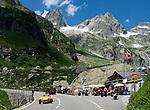 Switzerland, Canton Uri, roadhouse at Sustenpass Road -Fuenffingerstock mountains with peaks Wendenhorn und Wasenhorn